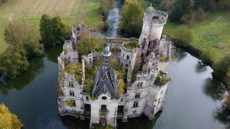 El castillo tiene un alto valor arquitectónico por sus diversos estilos, lo que convierte al inmueble en una pieza única