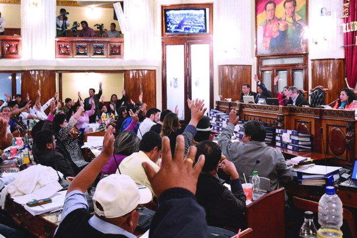 Panama Papers: Asamblea pide a la UIF indagar a Doria Medina