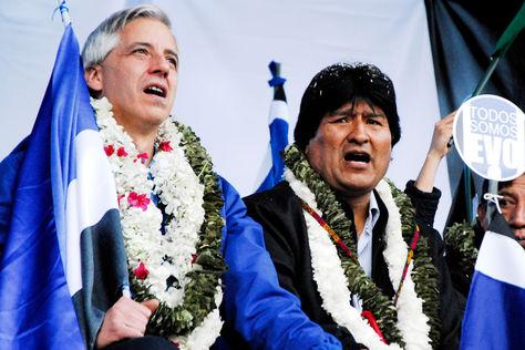 Álvaro García Linera y Evo Morales en un acto de campaña. Foto: Archivo