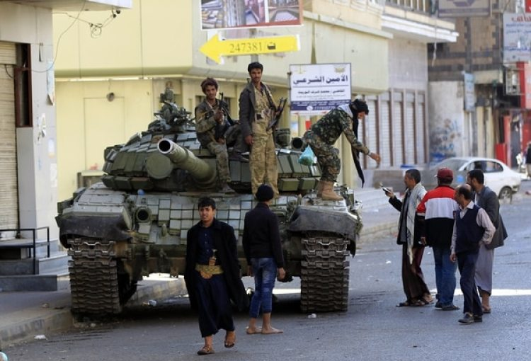 Rebeldes hutíes en Yemen (AFP PHOTO / MOHAMMED HUWAIS)