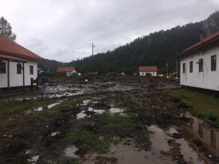Imagen de cómo quedó una parte del poblado que no resultó tan afectada como el resto.