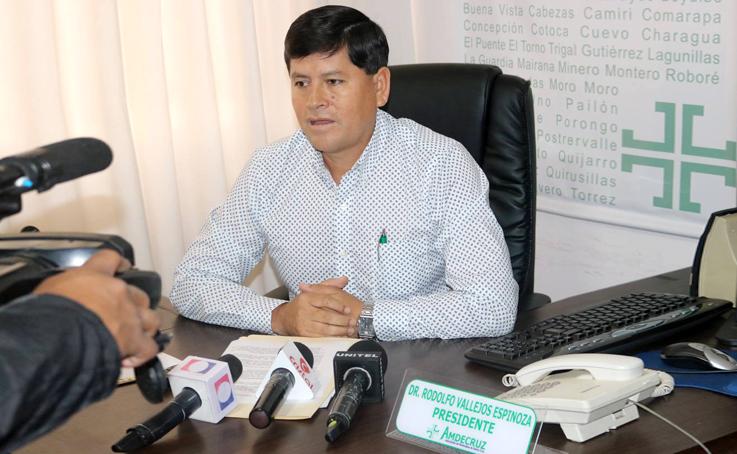 Resultado de imagen para El presidente de la Asociación de Municipios de Santa Cruz (Amdecruz), Rodolfo Vallejos,