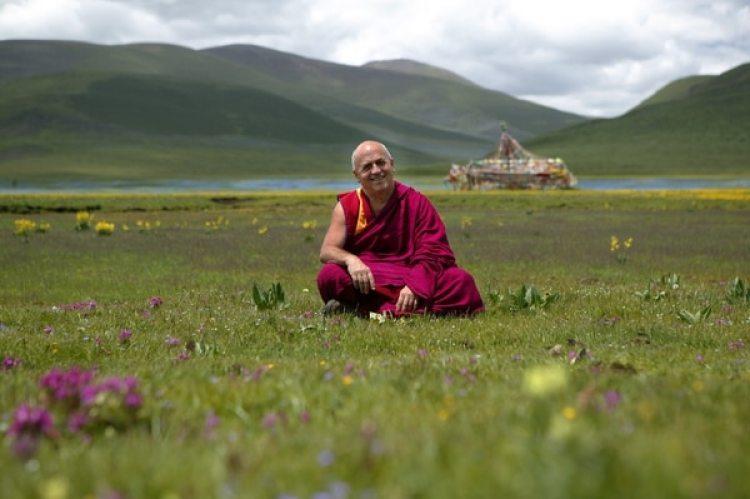 Tras doctorarse en genética en 1972, Matthieu Ricard se fue a vivir al Himalaya.(matthieuricard.org)