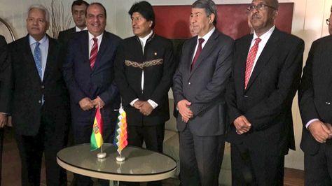 El presidente Evo Morales tras la reunion con embajadores de países árabes. Foto:Cancillería