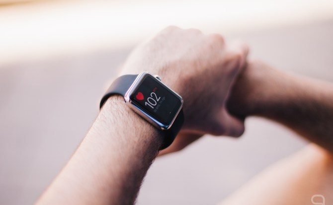 Apple quiere incluir un sensor para realizar electrocardiogramas en el Apple Watch