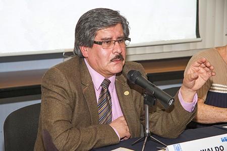 El-rector-Waldo-Albarracin-anuncia-medidas-penales-contra-policias-agresores