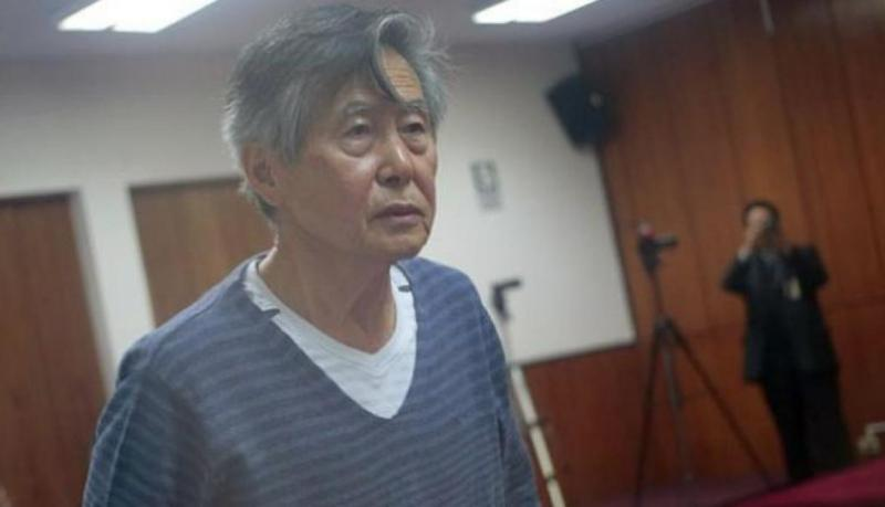 Fujimori fue trasladado a clínica para superar estado de salud. (USI)