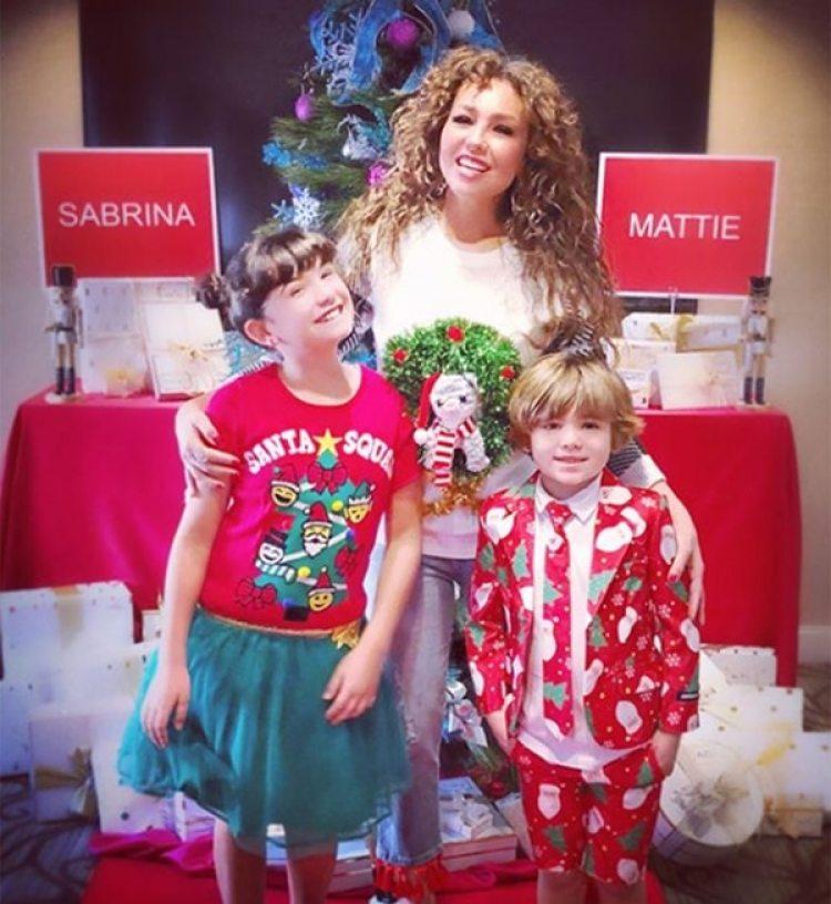 Sabrina y sus dos hijos Sabrina y Matthew