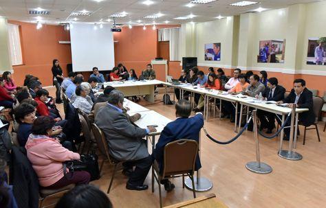 Diálogo entre las autoridades del Gobierno y los drigentes de los médicos de Bolivia. Foto: Álvaro Valero