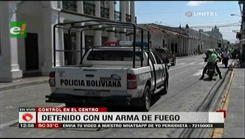 Santa Cruz: Detienen a chofer de un diputado por portar arma de fuego
