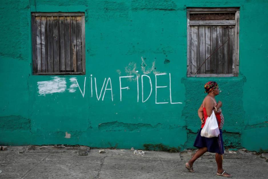 Pintada de apoyo a Fidel Castro en una pared de Santiago, en diciembre de 2016. (Reuters)
