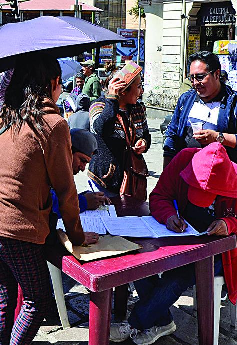 MAS coordina con embajadas registro de sus militantes