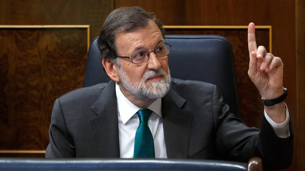 De la euforia a la caída: los ocho días que tumbaron a Rajoy