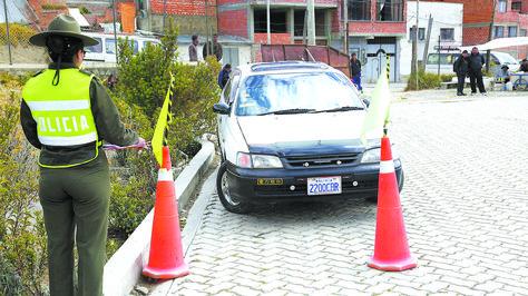 Uno de los exámenes prácticos de conducción del Servicio General de Identificación Personal.