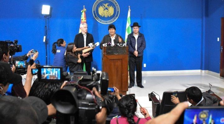 ¿Por qué Morales habló en un aeropuerto y no en la Casa Grande del Pueblo?
