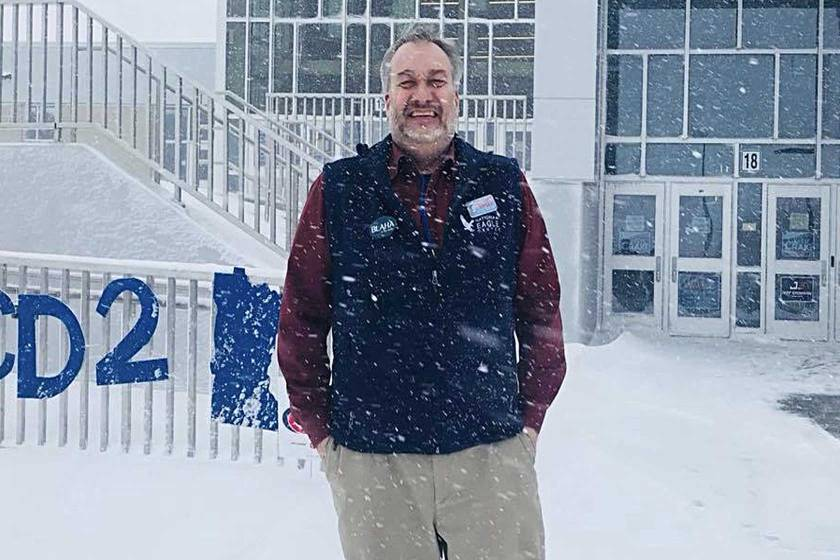 Rep. Rick Hansen braves the snow.