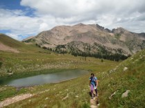 Familiar territory in the upper Willow Creek basin between the two passes. Red Peak behind.