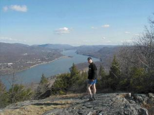 The spectacular view from Anthonys Nose looking north up the Hudson Valley.