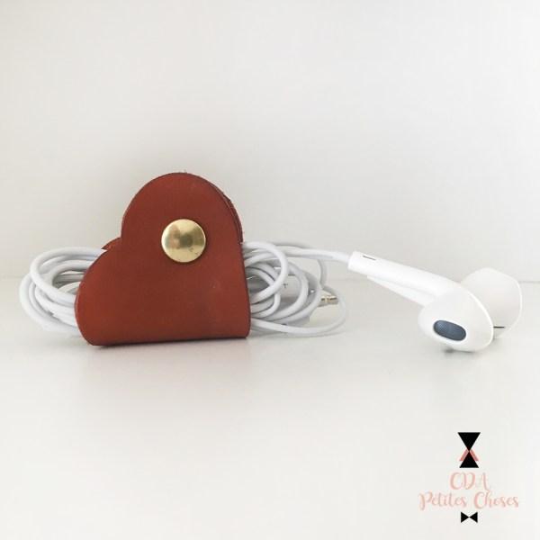 range-cable en cuir en forme de coeur CDA Petites Choses