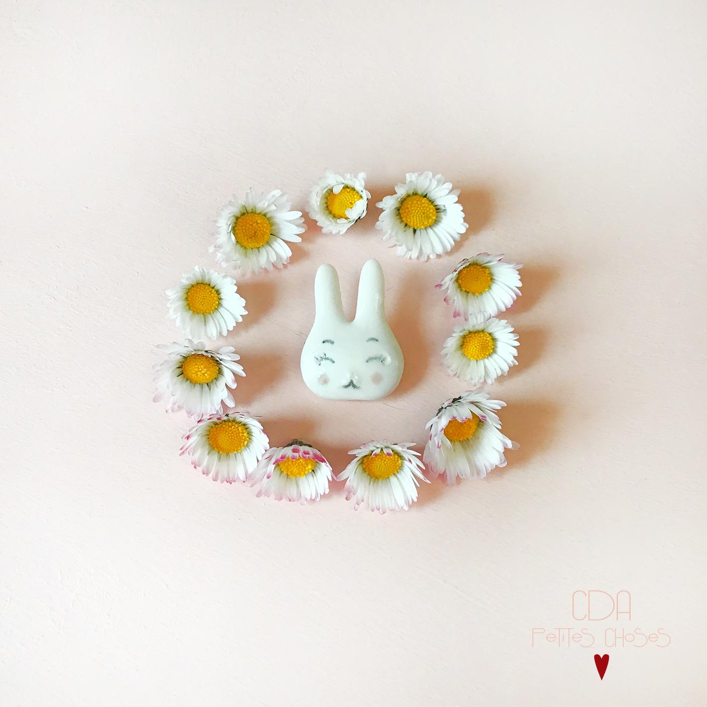 Broche en porcelaine mon petit lapin CDA petites Choses