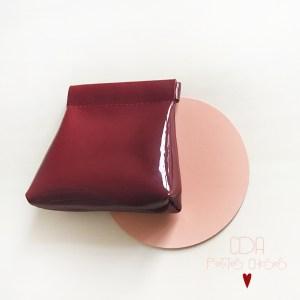Porte-monnaie clic-clac en cuir vernis lisse rouge