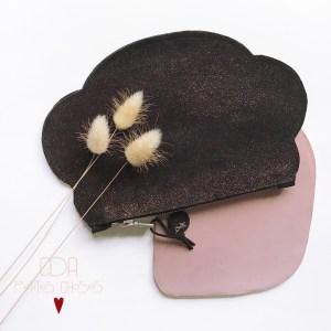Trousse en cuir velours noir palleté bronze forme nuage CDA Petites Choses