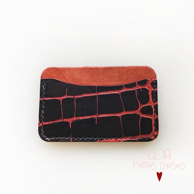 porte-cartes-croco-noir-petites nervures-rouge-2-CDA-Petites-Choses-1