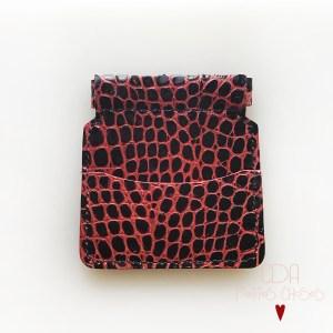porte-monnaie-clic-clac-croco-noir-petites-nervures-rouge-1-CDA-Petites-Choses