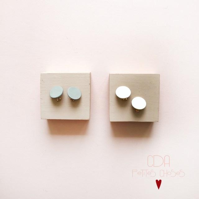 Boucles d oreille puce forme ronde en porcelaine CDA Petites Choses.jpg