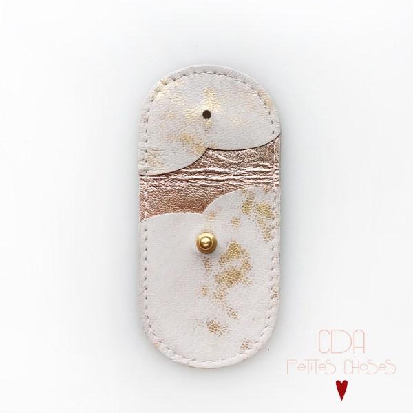 mini-pochette-en-cuir-blanc-et-or-2 CDA Petites Choses
