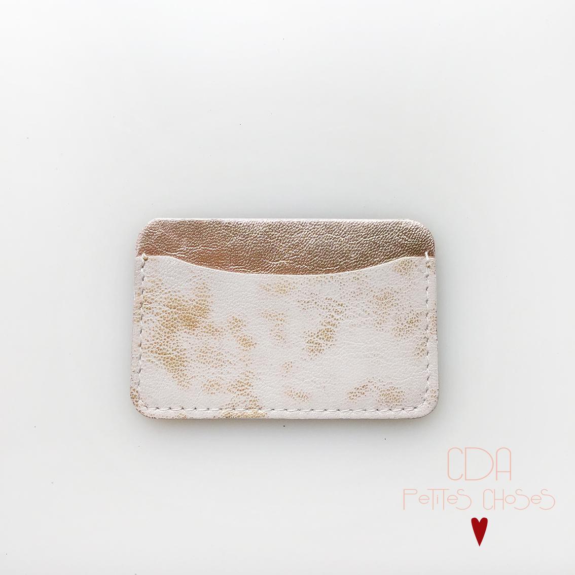 porte-carte-simple-en-cuir-blanc-et-or-2 CDA Petites Choses