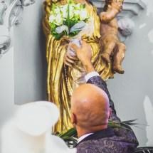 La Cérémonie - Le bouquet de la Mariée remis à la Vierge Marie