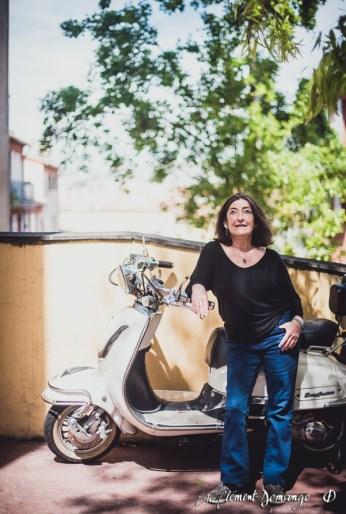 Portrait au scooter vintage à Nice