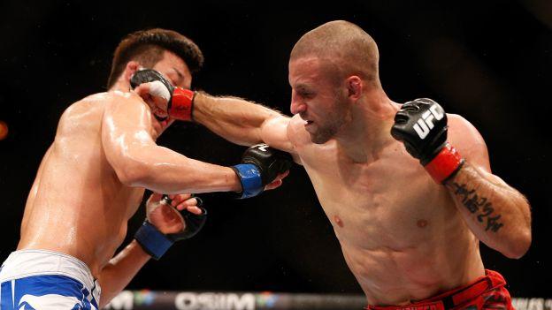 Tarec Saffiedine tiene un récord de 15 victorias y 3 derrotas en MMA. (globosport)
