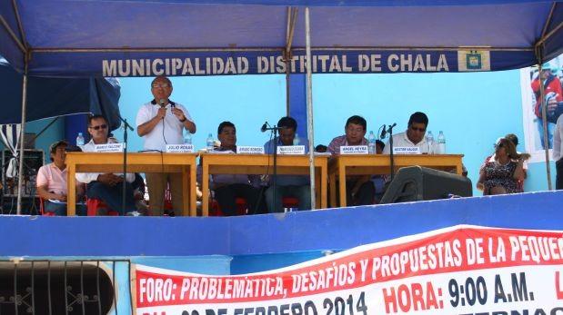 Congresista 'Comeoro' se reúne con mineros de Chala y Nasca