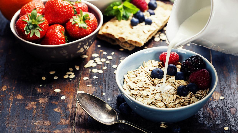 Ocho alimentos de una alacena saludable que no te costarán más