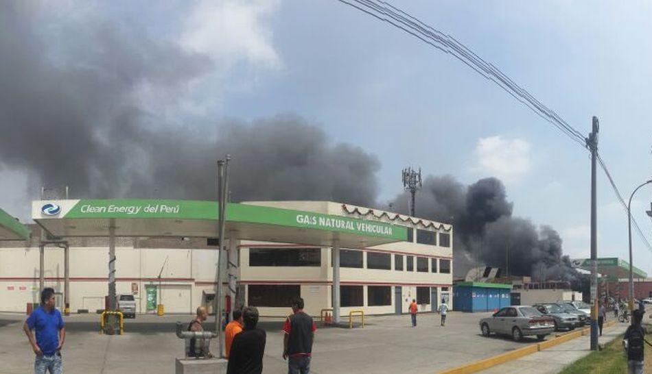 Incendios en Lima, Independencia, Panamericana Norte, Estación Naranjal,  Avenida Túpac Amaru