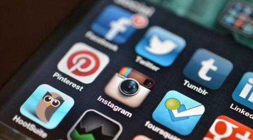 Es posible acceder a muchas de estas apps con nuestro nombre de usuario y contraseña de Facebook o Twitter.