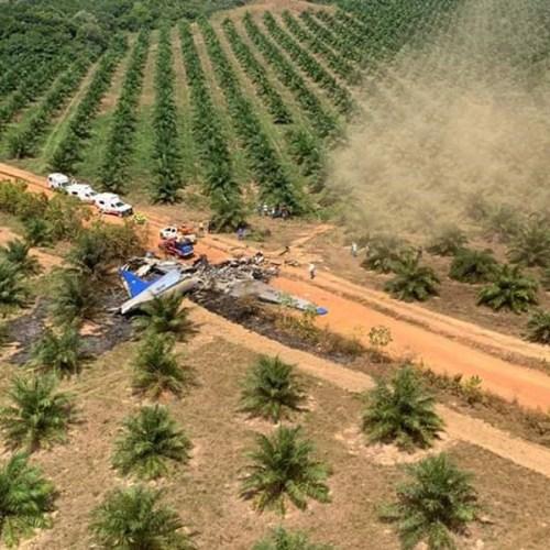 Plane crash kills 14 in Colombia