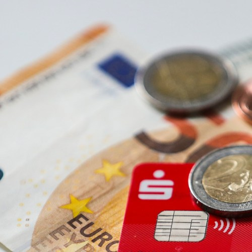 EU steps up its rules on cash controls to fight money laundering and terrorist financing