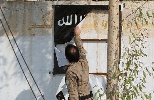 Blinken: 'Untenable' for 10,000 IS fighters still to be held in Syria