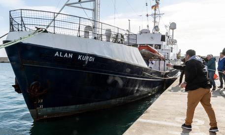 Rescue vessel with 64 persons on board heading to Malta's waters