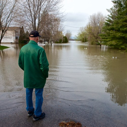 Montreal declares emergency over flooding