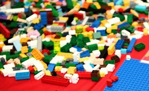 Chinese police raid fake Lego factory
