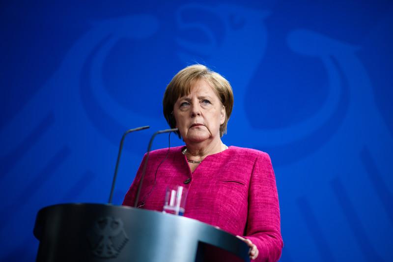In interview with Sueddeutsche Zeitung, Merkel says German politics needs more women
