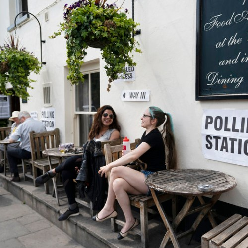 Anger as EU citizens denied a vote in UK and the Netherlands, Voting start in Czech Republic and Ireland