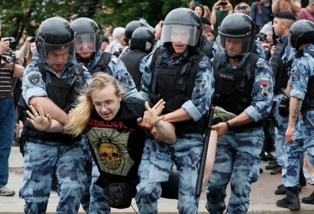 Protest march to support arrested journalist Ivan Golunov
