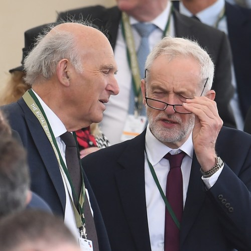 Corbyn warned by Labour MPs on full remain stance