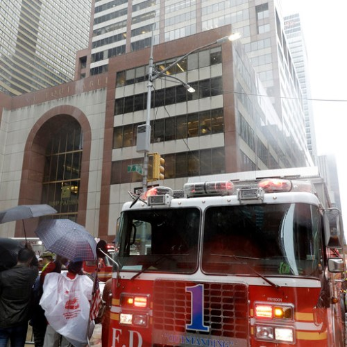 Helicopter crashes on a building in midtown Manhattan – Pilot died (Updated)