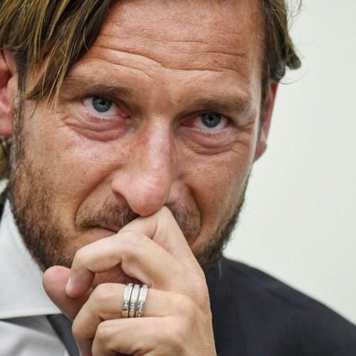 """Leaving Roma is like dying. I feel like it'd be better if I died"". – Francesco Totti announces he's leaving Roma"